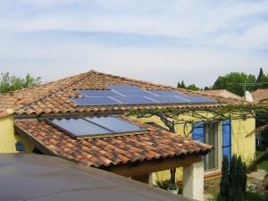 Installation photovoltaïque sur toiture 4 pentes + solaire thermique pour production d'eau chaude sanitaire