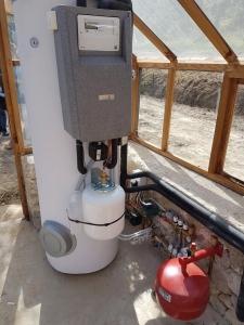 Installation d'un préparateur solaire dans une serre à Mènerbes